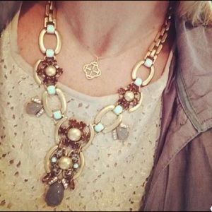 Stella & Dot Livy Statement necklace